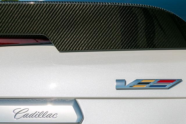 Carbon Fiber rear spoiler on Dodge to show how to polish carbon fiber